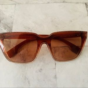 NEW Burberry Amber Glitter Square Sunglasses  🕶
